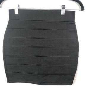 Women's black bandage body con mini skirt Sz Large